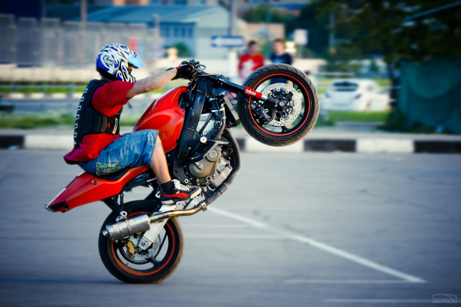 Трюки на мотоциклах 1 фотография