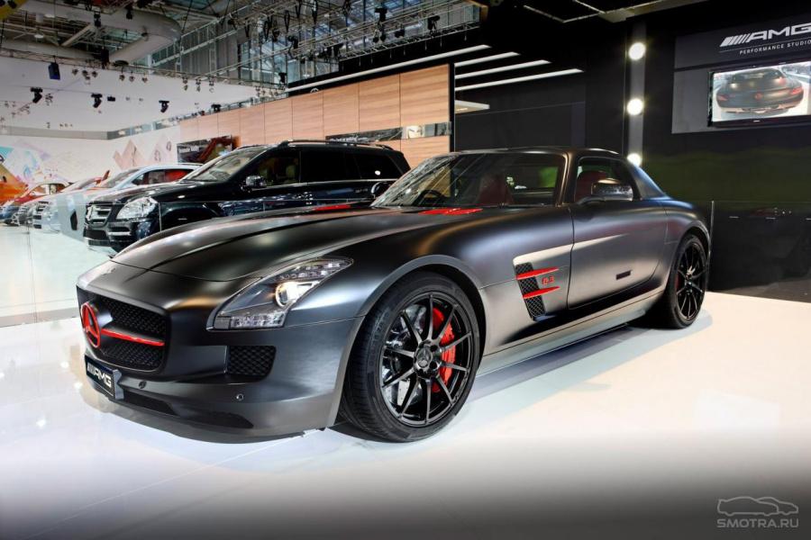 Первой из них стал суперкар Mercedes…